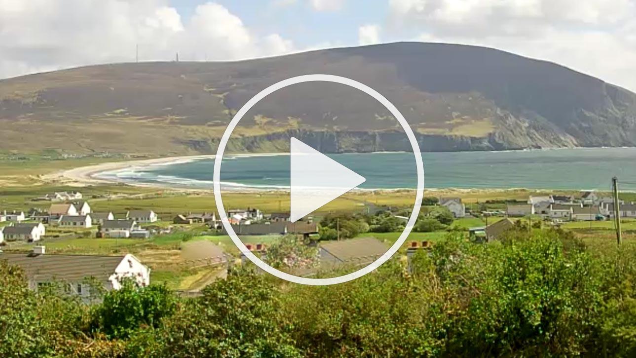 Live Cam Blackfield Surf School, Keel Beach, Achill, Ireland - UK
